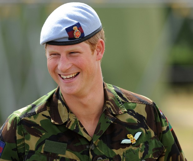 HONINGTON, UNITED KINGDOM - JULY 14:  Prince Harry visits RAF Honington on July 14, 2010 in Suffolk, easten England. During his visit, Prince Harry was shown Fuchs armoured vehicles that have been adapted to detect deadly gases on battlefields, watched re (Foto: Getty Images)