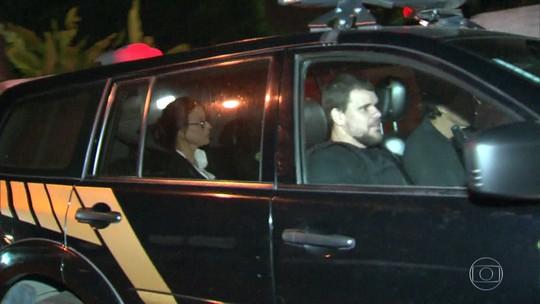 Adriana Ancelmo é levada para cumprir prisão domiciliar no Leblon, Rio