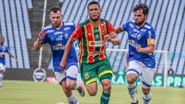 Eloir em jogo Sampaio x CSA pela Copa do Nordeste no Castelão