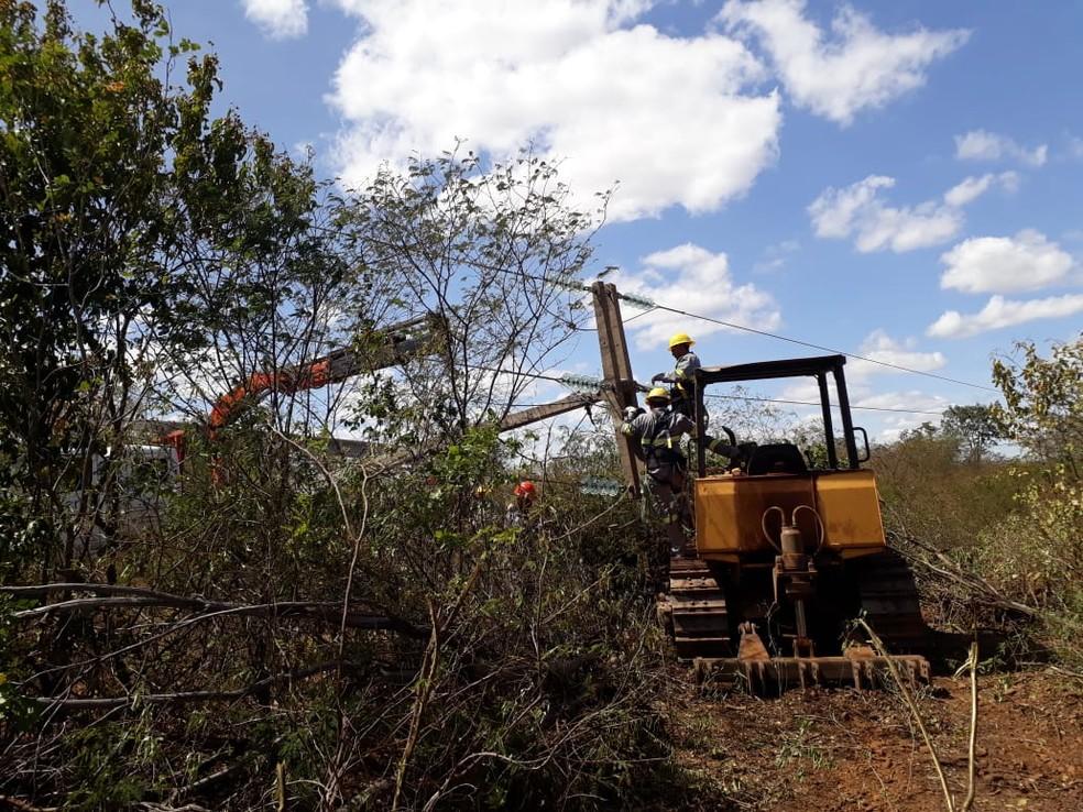 Equipe da Eletrobras Piauí realizou o reparo no local (Foto: Divulgação/Eletrobras Piauí)