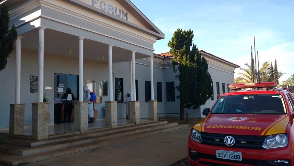 Justiça determinou a realização de uma limpeza e desinfecção biológica em todos os prédios, que permaneceram fechados durante a pandemia, como forma de prevenir a contaminação pela Covid-19 em Mato Grosso — Foto: TJMT/Assessoria