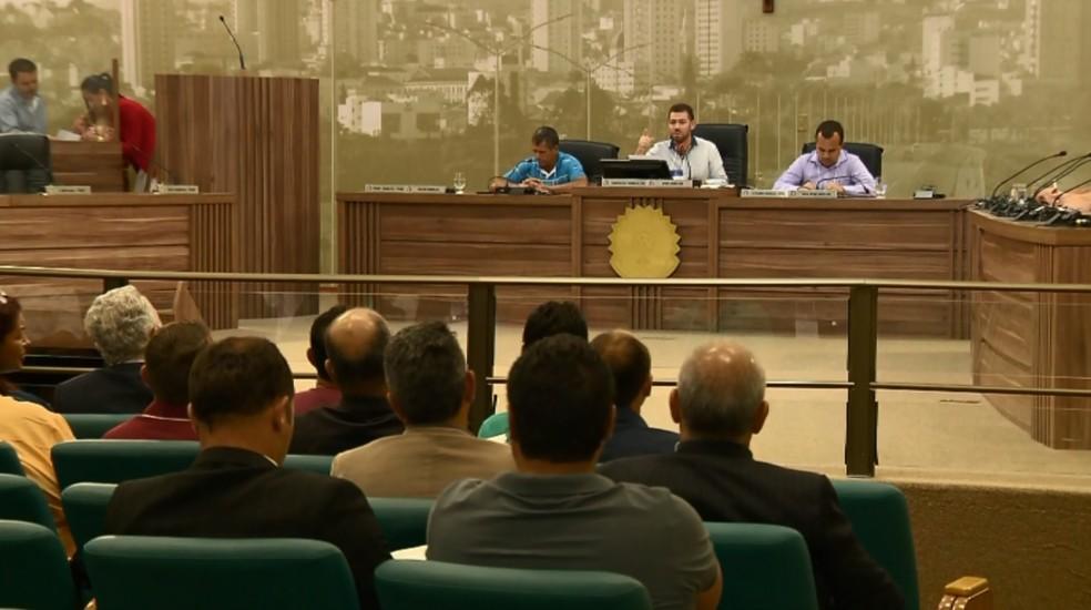 Vereadores de vários municípios do Sul de Minas se reúnem em reunião sobre a qualidade dos serviços prestados pela Copasa na região (Foto: Reprodução / EPTV)