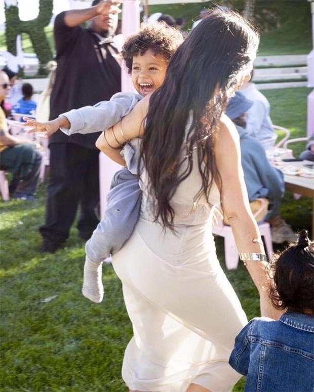 Kim Kardashian e Saint West (Foto: Reprodução / Instagram)