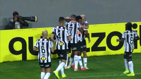 """""""De boa"""" com a reserva, Cazares se cobra para voltar a marcar pelo Atlético-MG e igualar Pratto"""