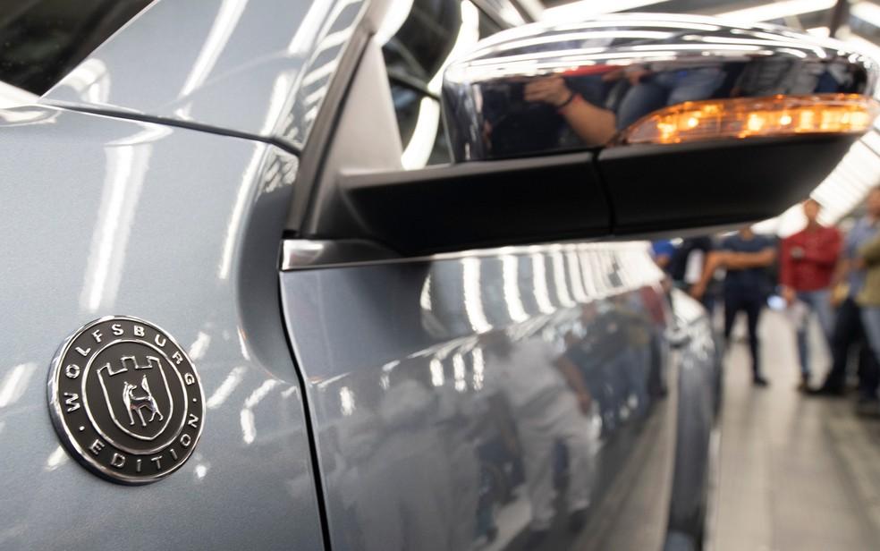 fusca-afp2 Você sabia que a Volkswagen encerrou a produção mundial do Fusca? Veja como foi a despedida...