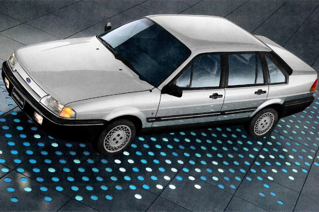 Versailles era a versão da Ford do Volkswagen Santana (Foto: Divulgação)