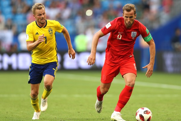 O jogador inglês Harry Kane na partida da Inglaterra contra a Suécia na Copa do Mundo (Foto: Getty Images)