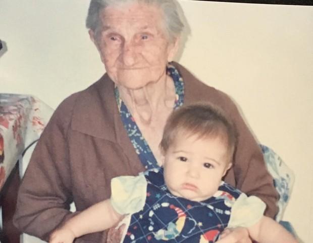 Rafael Vitti no colo da bisavó Rosa (Foto: Reprodução/Instagram)