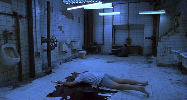 O banheiro de 'Jogos Mortais' (Foto: Reprodução)