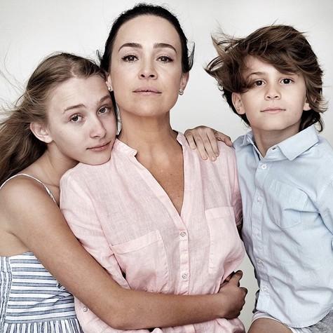 Gabriela Duarte com os filhos (Foto: Reprodução)