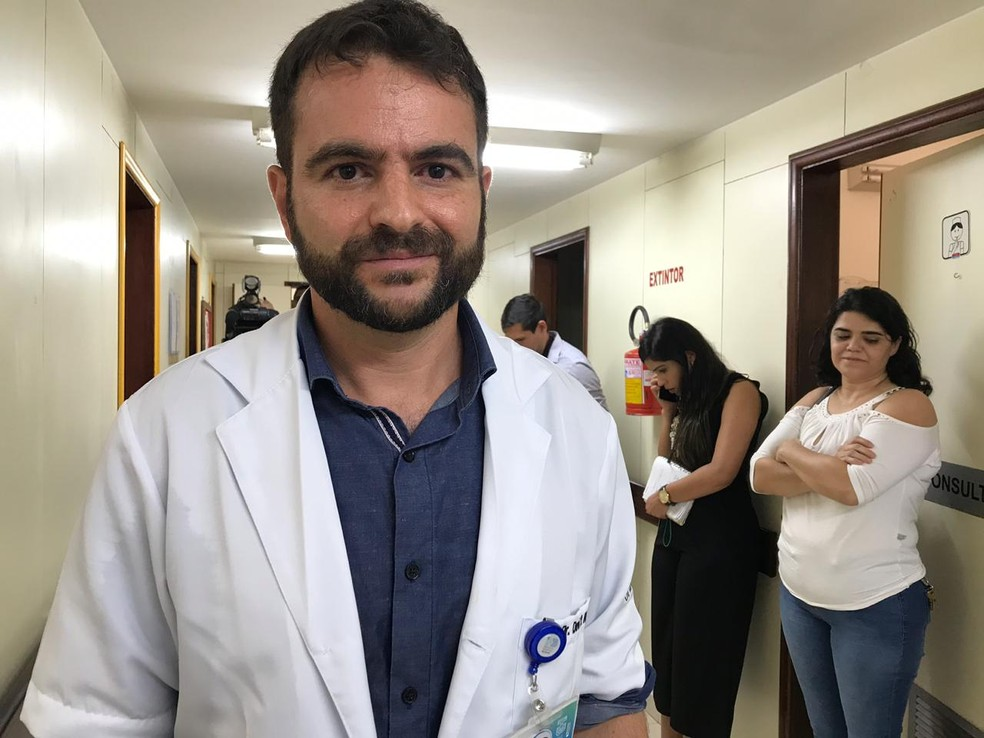 O ortopedista Davi Haje no Instituto Hospital de Base, em Brasília — Foto: Luiza Garonce/G1