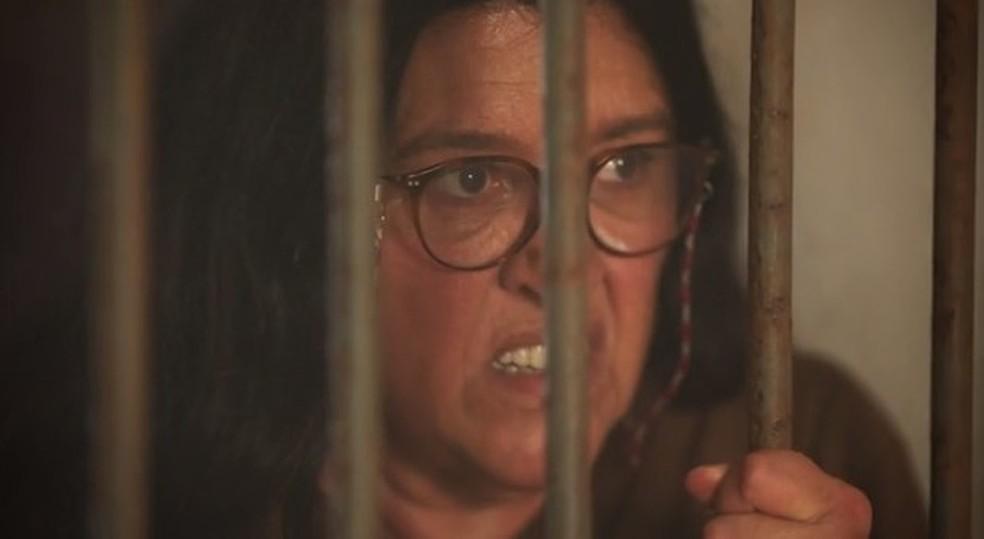 Lurdes sente raiva de Thelma e diz que quer que ela morra — Foto: Globo