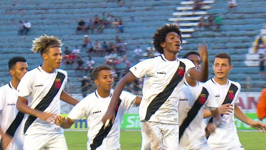 Promessa do Vasco, Talles Magno comemora primeiro gol na Copa São Paulo de Futebol Júnior