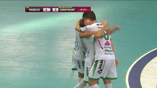 Em jogo de 10 gols, Marreco vence Corinthians e sai na frente nas quartas