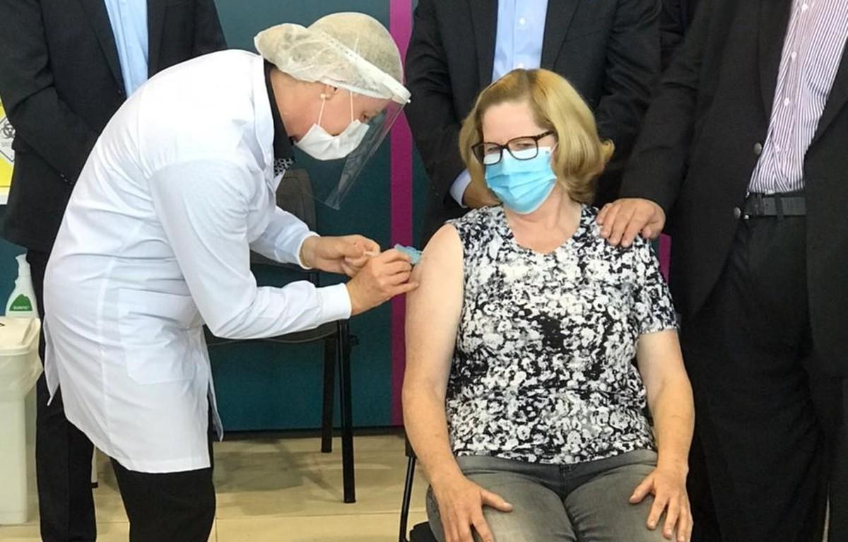 Campanha de vacinação contra a Covid-19 começa em Curitiba