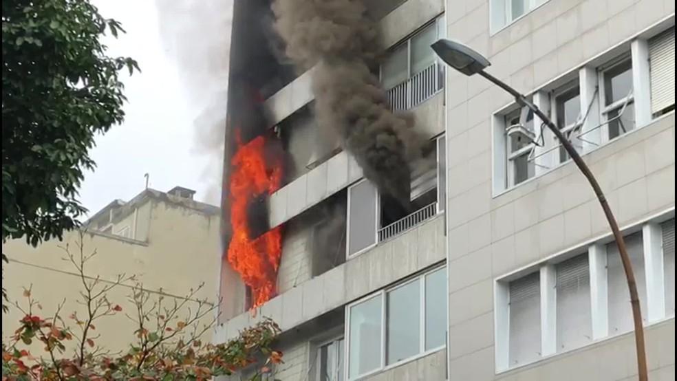 O prédio fica na rua Prudentes de Moraes, em Ipanema, na Zona Sul do Rio — Foto: Reprodução TV Globo