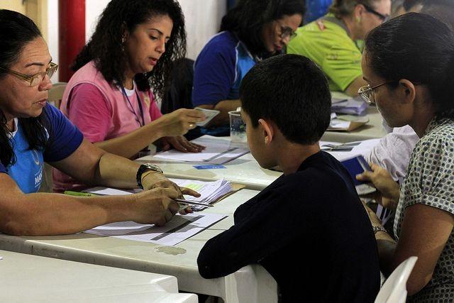 MPE-AM pede flexibilidade de matrículas de vítimas do incêndio no Educandos no sistema público de educação