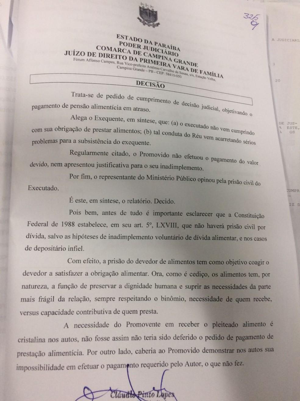 O mandado de prisão foi assinado pelo juiz Cláudio Pinto Lopes, titular da Vara da Família de Campina Grande (Foto: Reprodução)