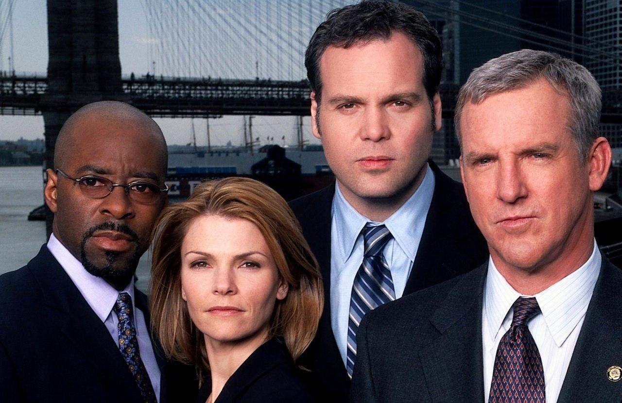 Uma das equipes de policiais da série Law & Order (Foto: Reprodução)