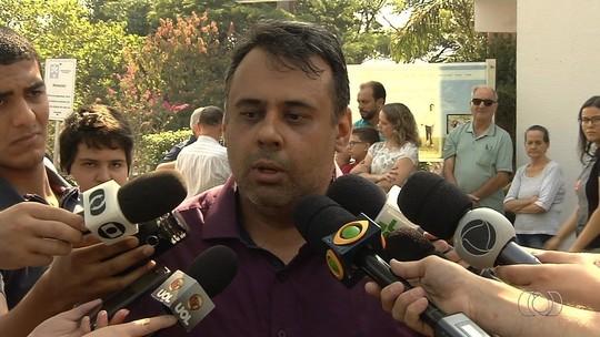 'Temos que perdoá-lo', diz pai de vítima sobre autor dos disparos