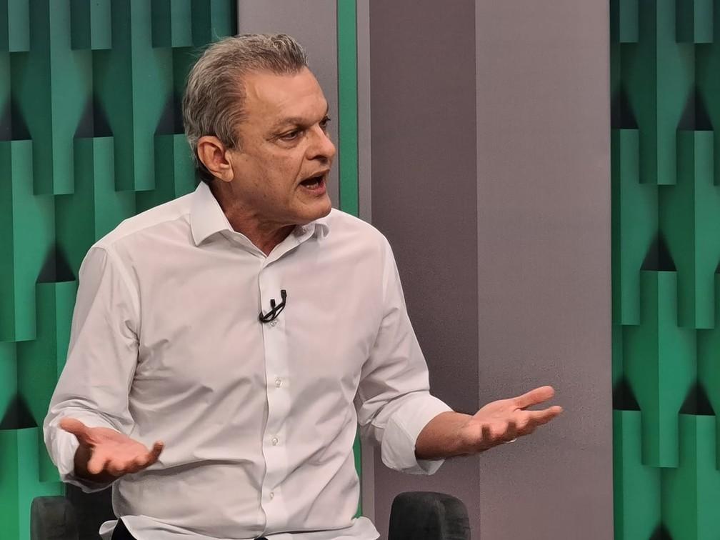 Sarto Nogueira, quando foi entrevistado no CETV 2ª Edição, da TV Verdes Mares — Foto: Kid Júnior/SVM