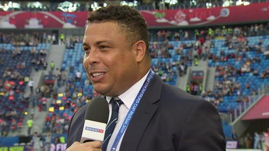 """Ronaldo Fenômeno registra encontro com  Maradona na Rússia: """"O maior"""""""