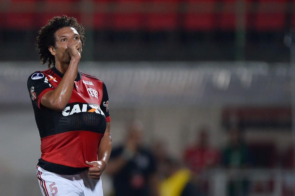 Willian Arão tem mostrado faro de gol pelo Flamengo (Foto: Pedro Martins/MoWA Press)