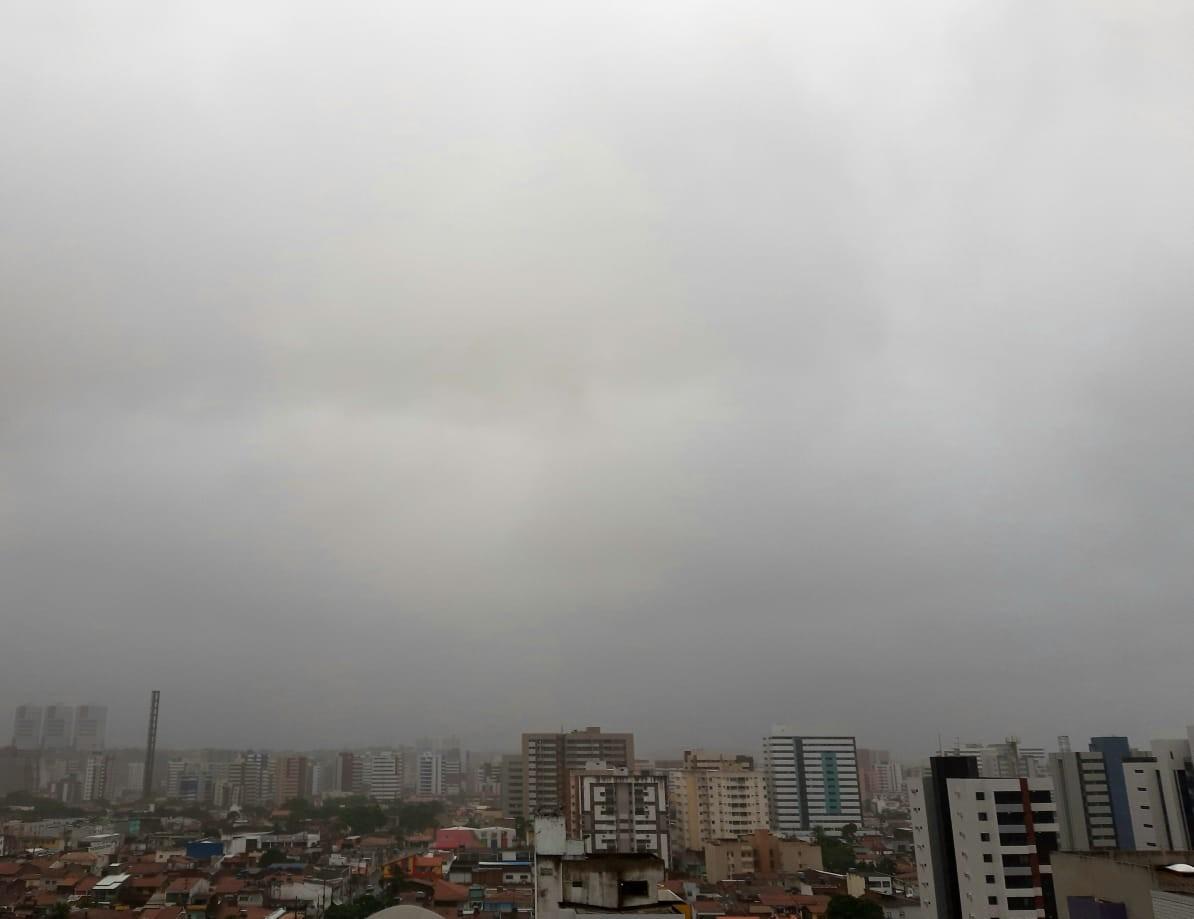 Inverno começa nesta segunda-feira com tempo nublado e muita chuva em Alagoas