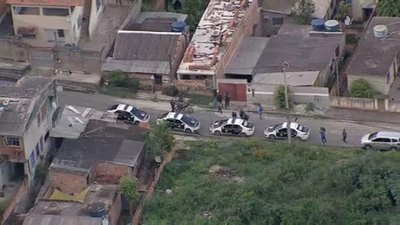 VÍDEO: Polícia faz operação contra narcomilícia em São Gonçalo