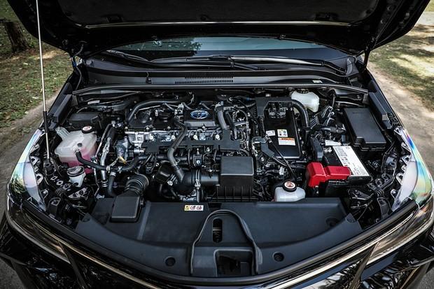 Toyota Corolla híbrido faz mais de 16 km/l na cidade com etanol (Foto: Rafael Munhoz/Autoesporte)