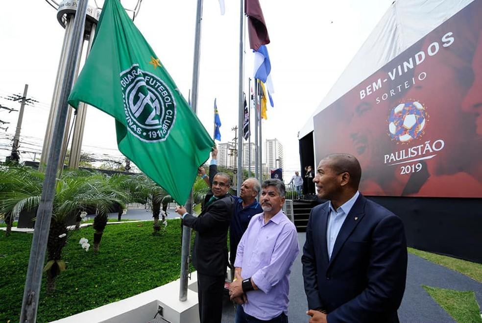 071d15e8ba0e7 ... Dirigentes bugrinos marcam presença no sorteio do Paulistão — Foto   Reprodução