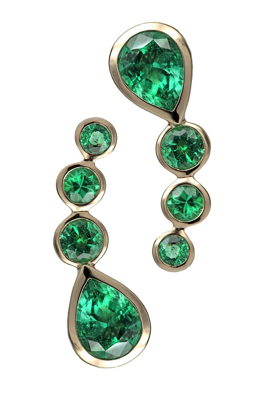 Brinco de ouro 18k com esmeraldas que estará disponível na Bergdof Goodman (Foto: Divulgação)