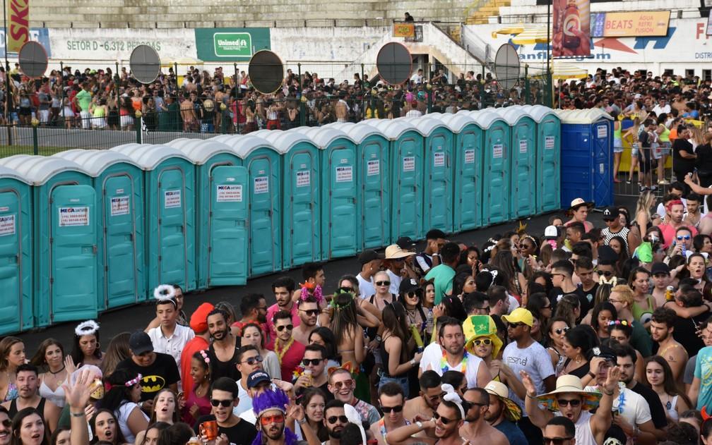 A Prefeitura de São Paulo planeja contratar 28.520 diárias de aluguel de banheiros químicos para o carnaval de rua na capital paulista.  — Foto: Pedro Martins/G1