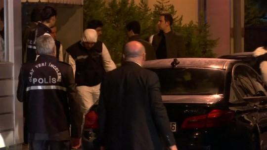 Autoridades turcas inspecionam casa do cônsul-geral saudita
