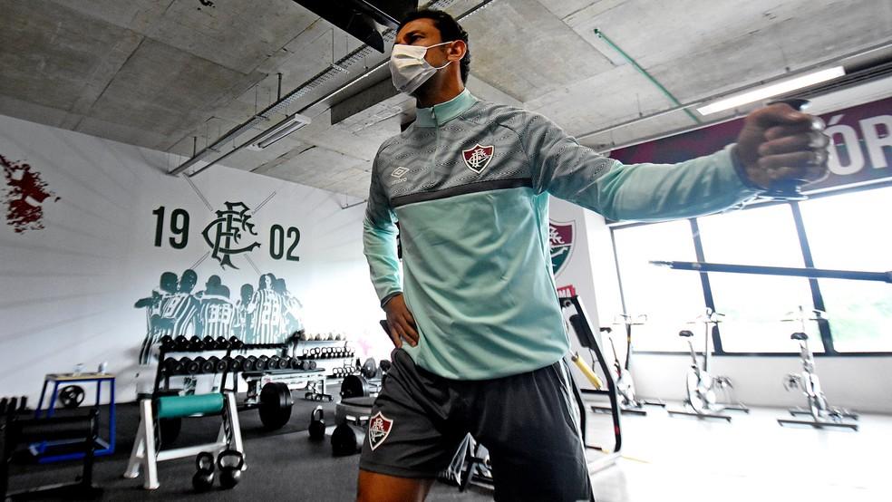 Fred, atacante do Fluminense, fazendo trabalho na academia em 13 de maio — Foto: Mailson Santana FFC