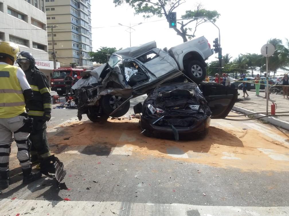 Acidente grave em Maceió deixa uma pessoa morta e outras feridas — Foto: Heliana Gonçalves/TV Gazeta