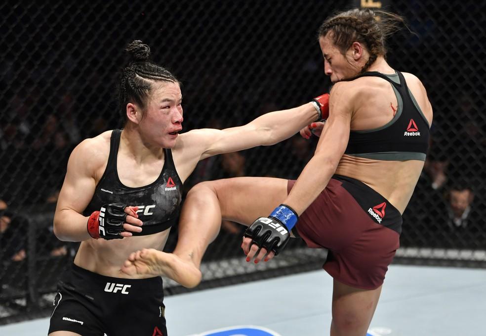 """Weili Zhang teve quatro indicações e faturou a """"Luta do Ano"""" com Joanna Jedrzejczyk. Duelo aconteceu no UFC 248 — Foto: Getty Images"""