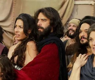 Elenco em cena de 'Os Dez Mandamentos' | Reprodução