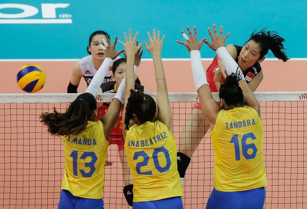 Brasil não conseguiu parar a China de Ting Zhu (Foto  Divulgação FIVB) 8c1ae6413d735