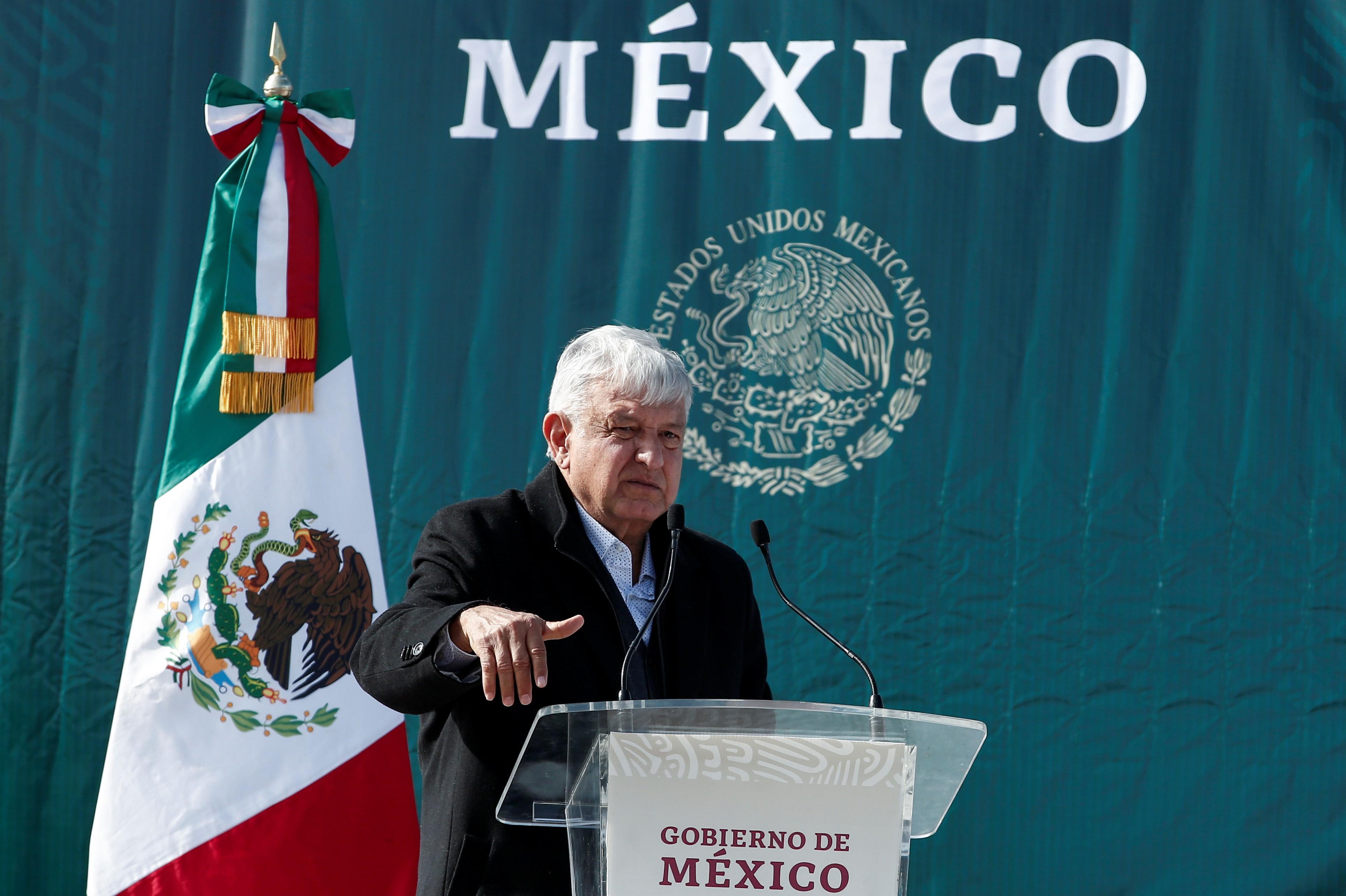 Presidente mexicano muda postura e pede que pessoas fiquem em casa para conter pandemia
