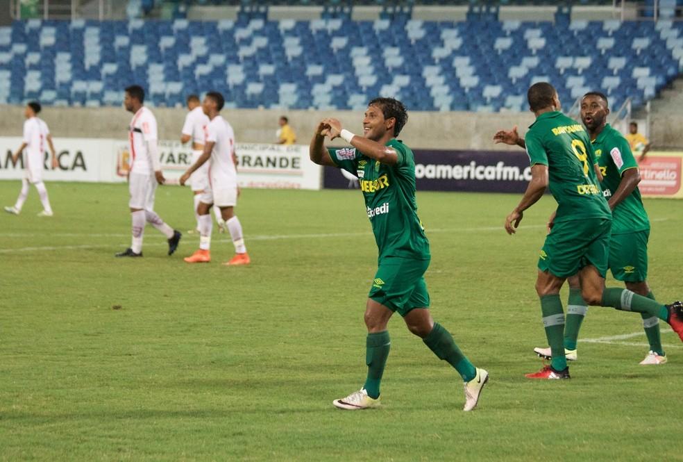 Weverton marcou os seus primeiro gols com a camisa do Cuiabá (Foto: Pedro Lima/CuiabáEC)