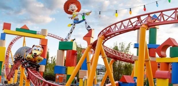 A montanha russa de Toy Story Land (Foto: reprodução)