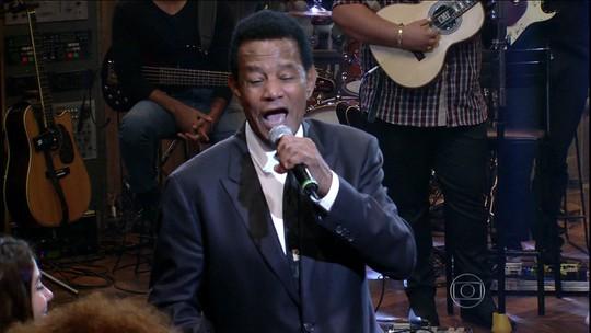 Cantor Jair Rodrigues morre aos 75 anos em São Paulo