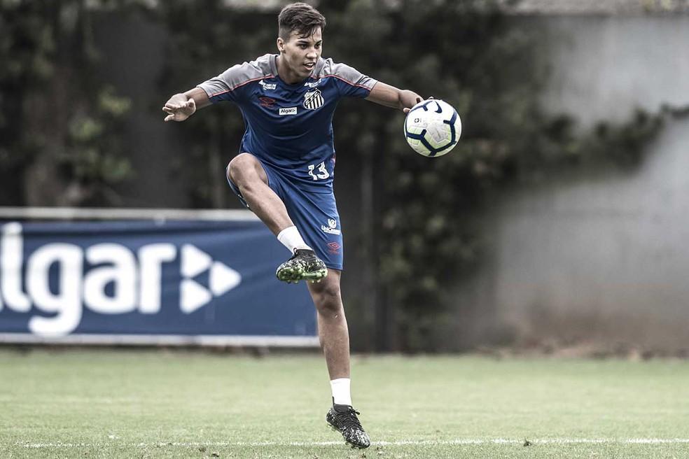 Kaio Jorge  uma das joias do Santos mas tem pouqussimo espao com Sampaoli  Foto Ivan StortiSantos FC