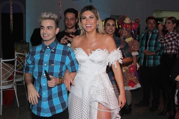 Lívia Andrade celebra aniversário com amigos e familiares (Foto:  Amauri Nehn/Brazil News)