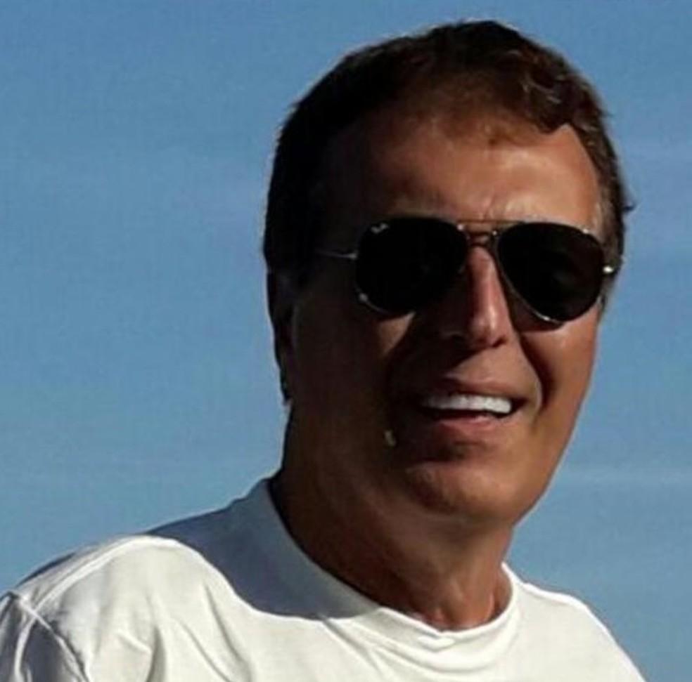 Octávio Schneider, de 68 anos, era proprietário da aeronave e quem a pilotava — Foto: Reprodução/TV Gazeta