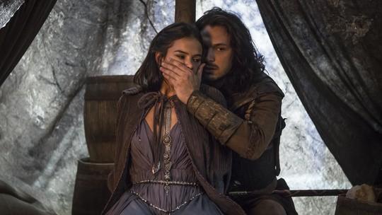 Romulo Estrela comenta relação de Afonso e Catarina, em 'Deus Salve o Rei'