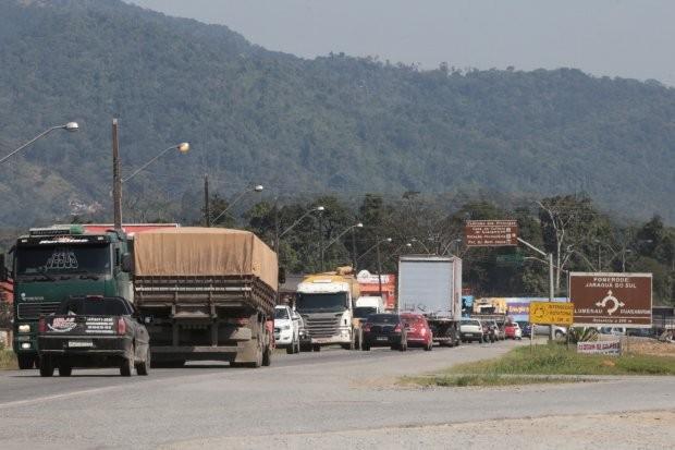 Trânsito terá alteração na rotatória na BR-280 em Guaramirim a partir de segunda-feira - Notícias - Plantão Diário