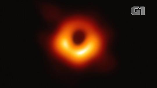 'Não foi um só algoritmo ou pessoa que criou a imagem' do buraco negro, diz Katie Bouman após ataques na web