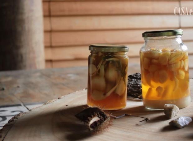 Alho fermentado no mel selvagem (Foto: Luiz Lula/Editora Globo)